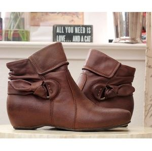 Bare traps Saydie ankle boot